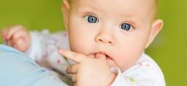 Chuparse el dedo, ¿es normal en el bebé?
