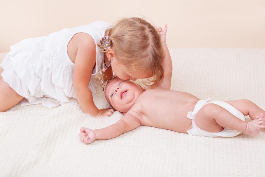 Celos entre hermanos, cómo evitarlos