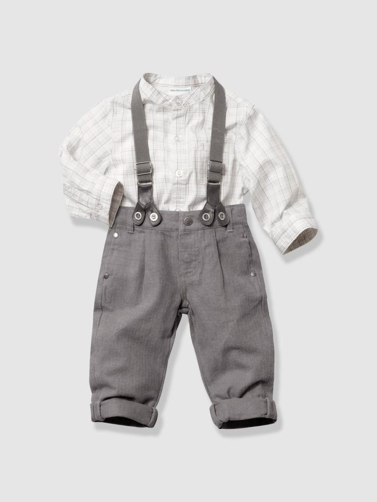 Pantalón con tirantes y camisa