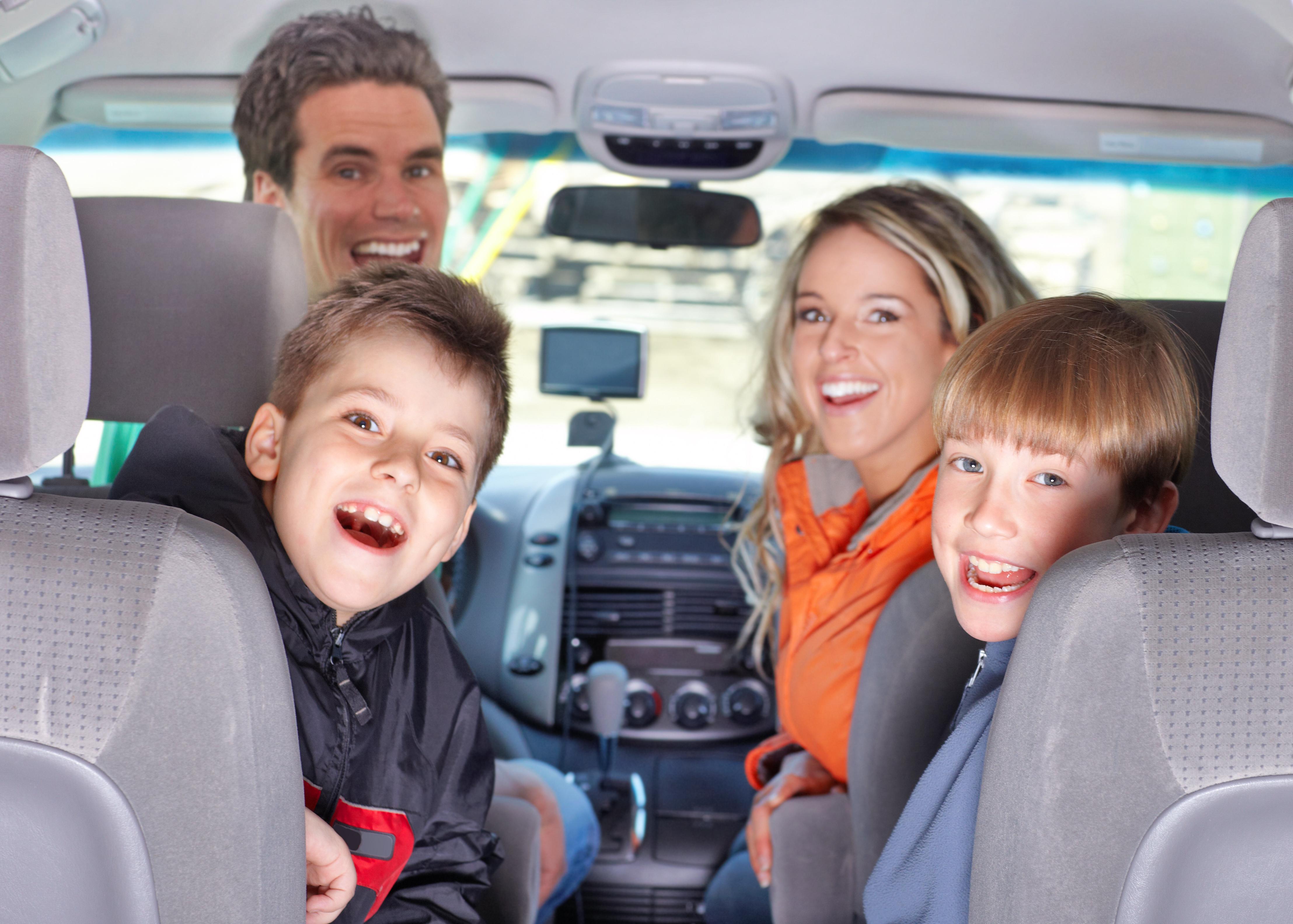 Viajar con niños en el coche