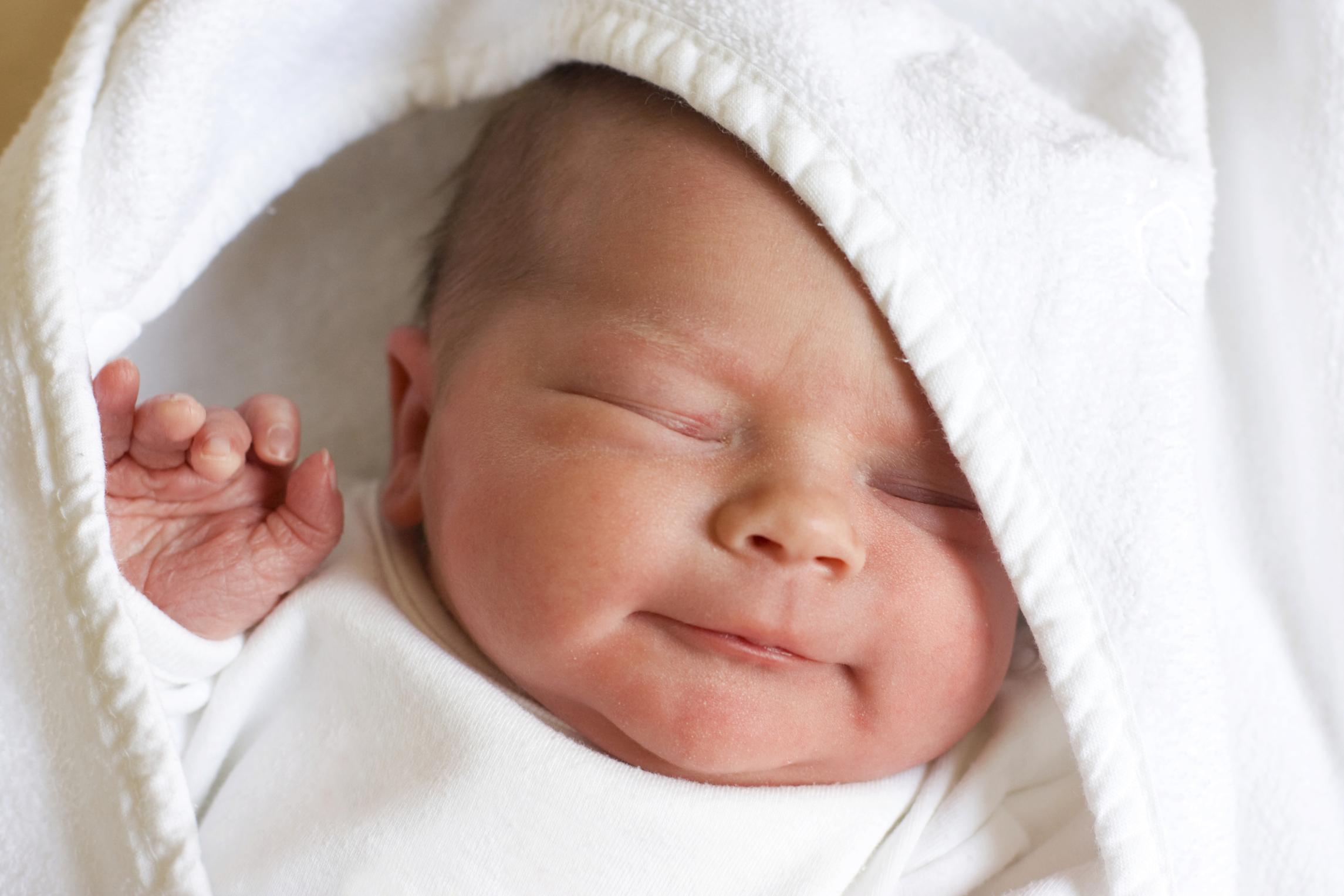 Conjuntivitis en el recién nacido; prevenirla y tratarla