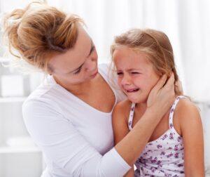 Cómo actuar ante las rabietas de los niños en público