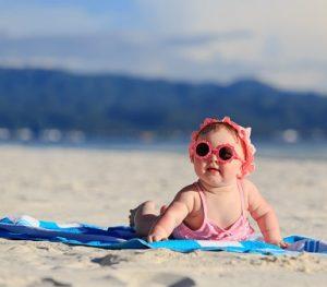 Consejos para ir a la playa con un bebé pequeño