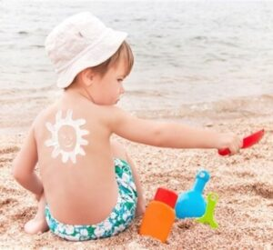 Cómo proteger a los niños del sol en verano