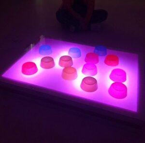 Mesa de luz para niños DIY