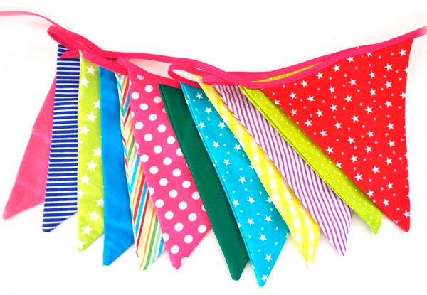 Decoraci n con banderines para fiestas infantiles ebdtb - Telas con dibujos infantiles ...