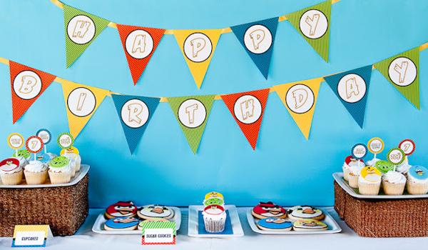 Decoración con banderines para fiestas infantiles