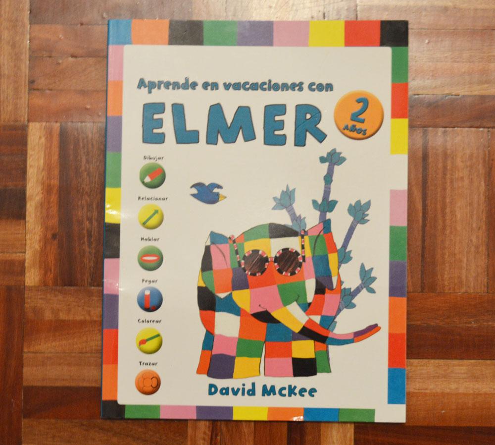 Un buen libro para leer - Aprende en vacaciones con Elmer