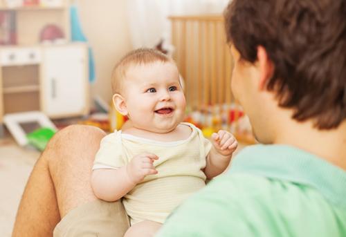 Cuándo empiezan los bebés a hablar
