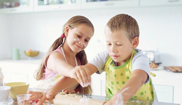 niño y niña autónomo independiente