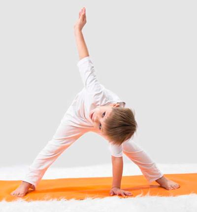 Yoga para ni os las mejores posturas para practicar en for Silla jane rocket