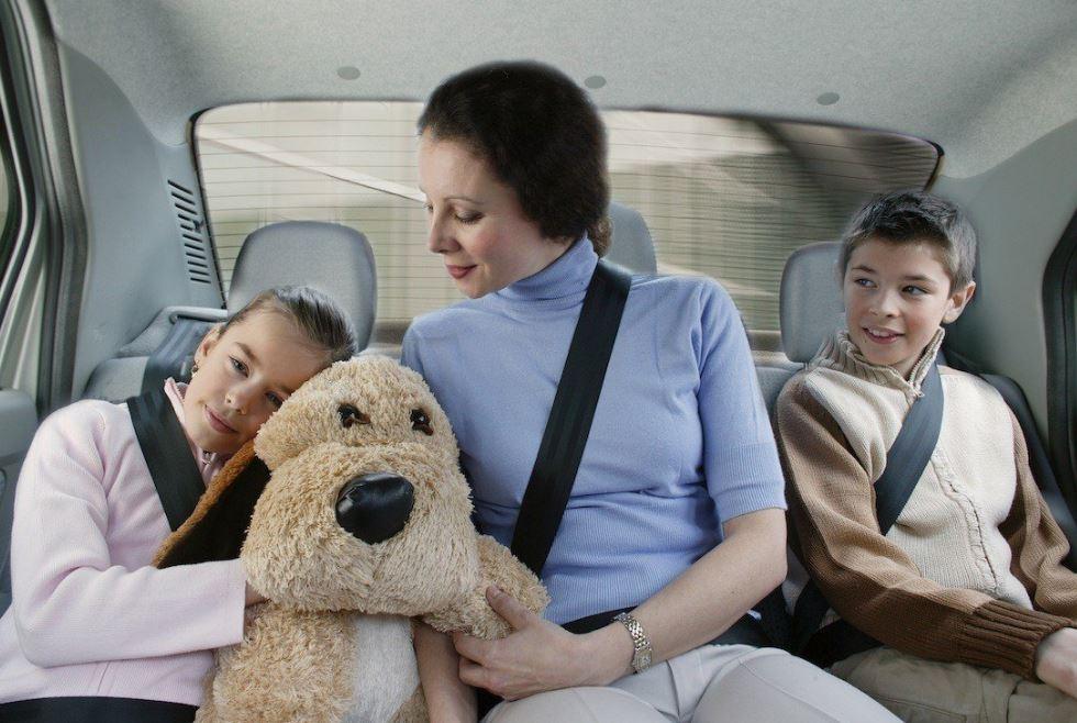 normativa seguridad infantil en coches