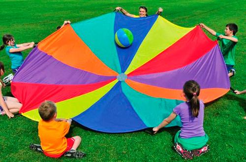 juegos con paracaídas para discapacitados