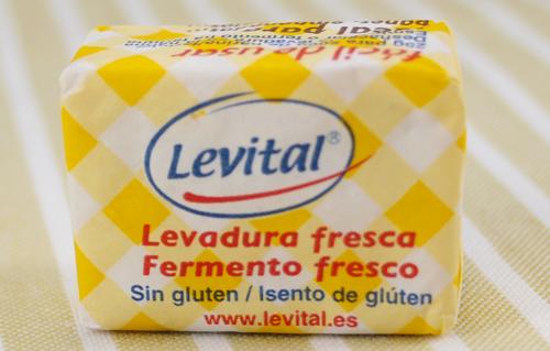 como se hace el pan casero - Levadura fresca