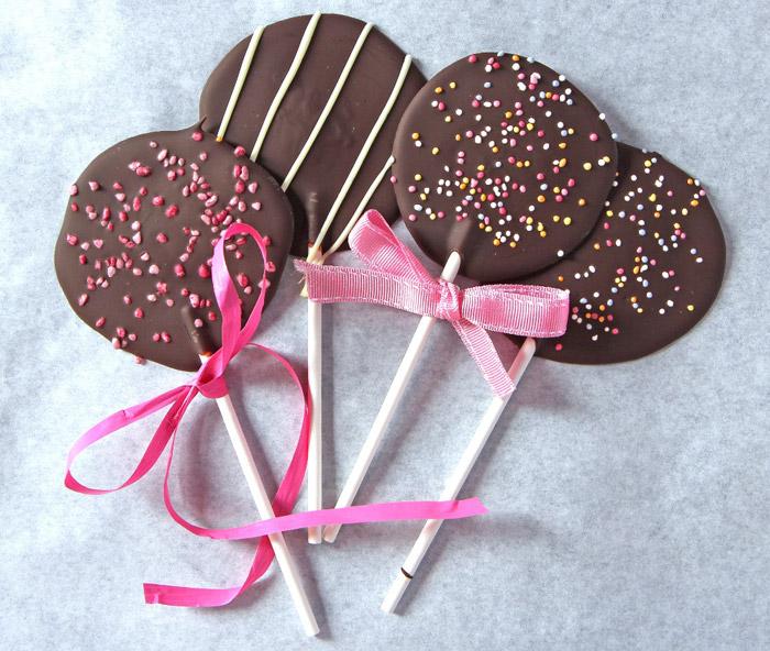Como hacer piruletas de chocolate caseras y fáciles para niños