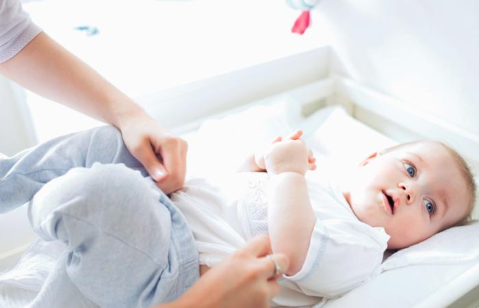 heces de bebe con mucosidad