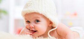 10 reflejos del recién nacido que te dejarán con la boca abierta