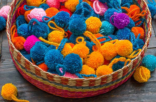 manualidades con hilos de colores