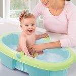 como limpiar la bañera del bebé