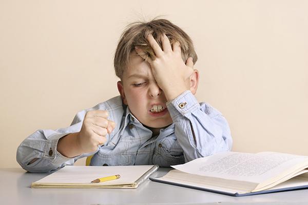 mi hijo no sabe estudiar sólo