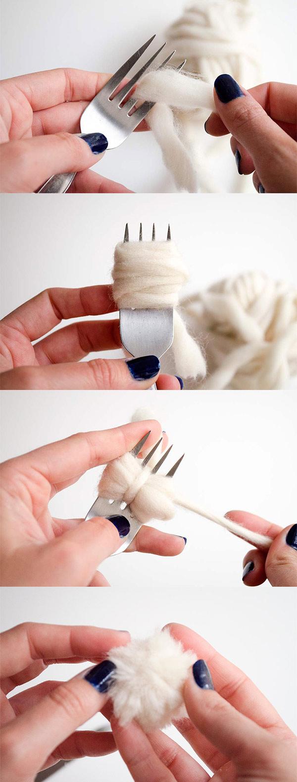 pompones de lana con tenedor tutorial paso a paso
