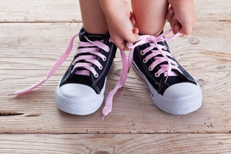 atar cordones zapatillas