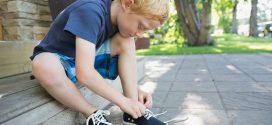 Cómo atarse los cordones paso a paso para niños