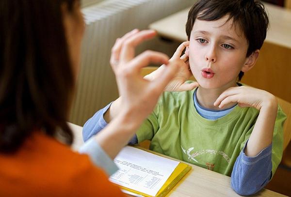 como ayudar a un niño a estudiar