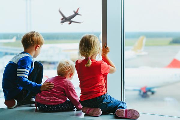hasta que edad pagan los niños en avion
