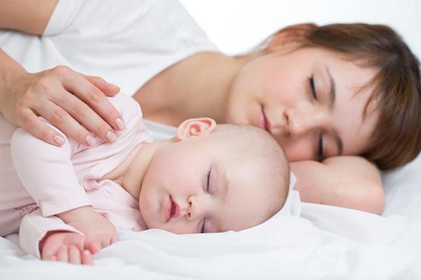 como hacer para que los bebes duerman toda la noche