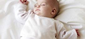 8 trucos para que el bebé duerma toda la noche