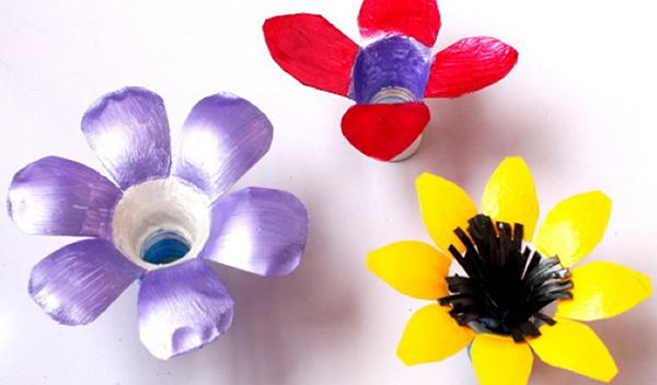 como pintar botellas de plastico para niños