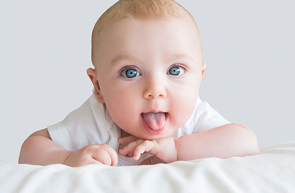 lengua blanca en bebes