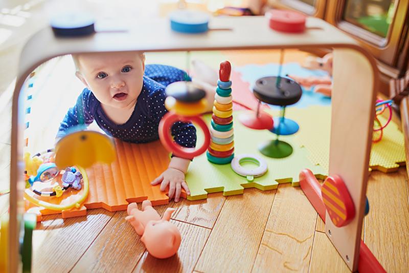 limpiar los juguetes del bebé