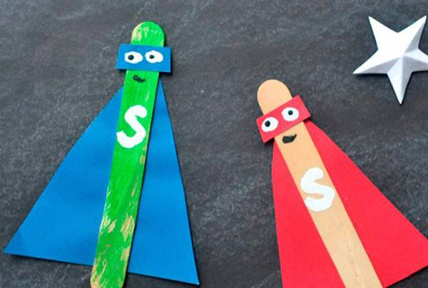 manualidades con palos de colores