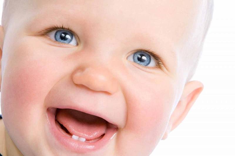 aliviar las molestias de los primeros dientes