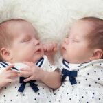 cómo vestir gemelos