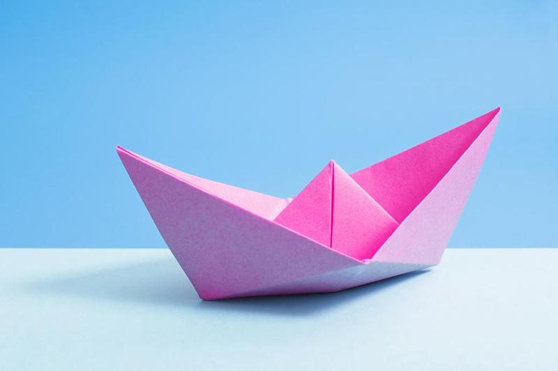 como hacer barcos reciclados