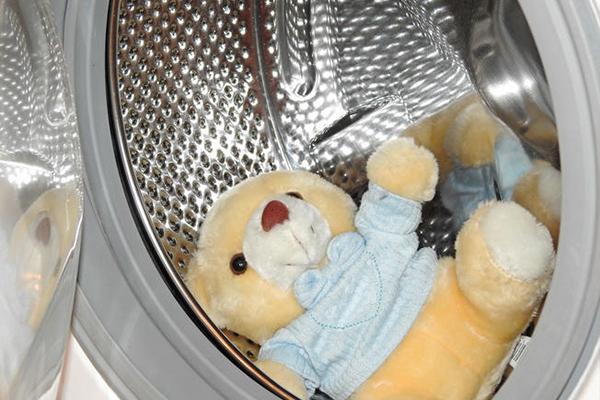 como lavar juguetes bebe