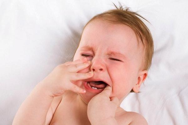 dolor dientes bebe noche
