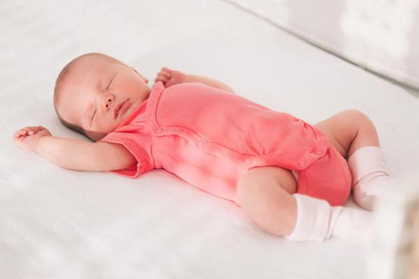 primera puesta de recién nacido