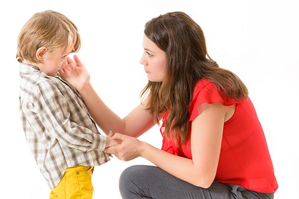 hablar correctamente a un niño