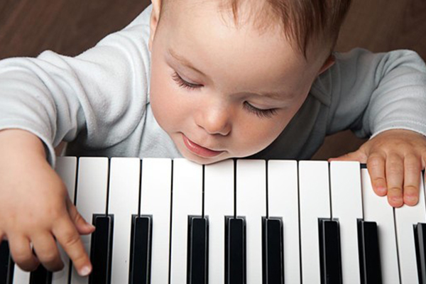 musica clasica alegre y famosa