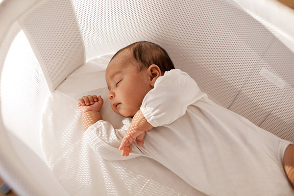 cómo tapar a un bebé recién nacido